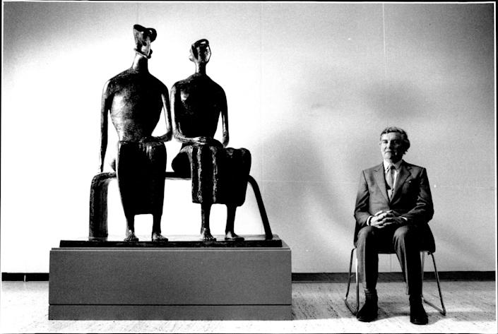 Bowness, as director of the Henry Moore foundation, with a sculpture called King And Queen, 1992 - Andrew Taylor/Fairfax Media via Getty Images