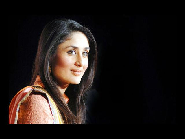 <b>2. Kareena Kapoor</b><br> Here's the mother of all ironies! The girl credited with starting the trend of size zero fits (pun intended) well in the list of hot curvaceous women. Her sexy curves in 'RA. One' became the talk of the town.