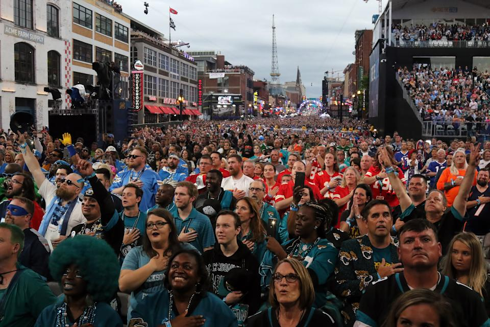 Part of the crowd of 150,000 that gathered in Nashville in 2019 for the NFL draft.  (Michael Wade/Icon Sportswire via Getty Images)