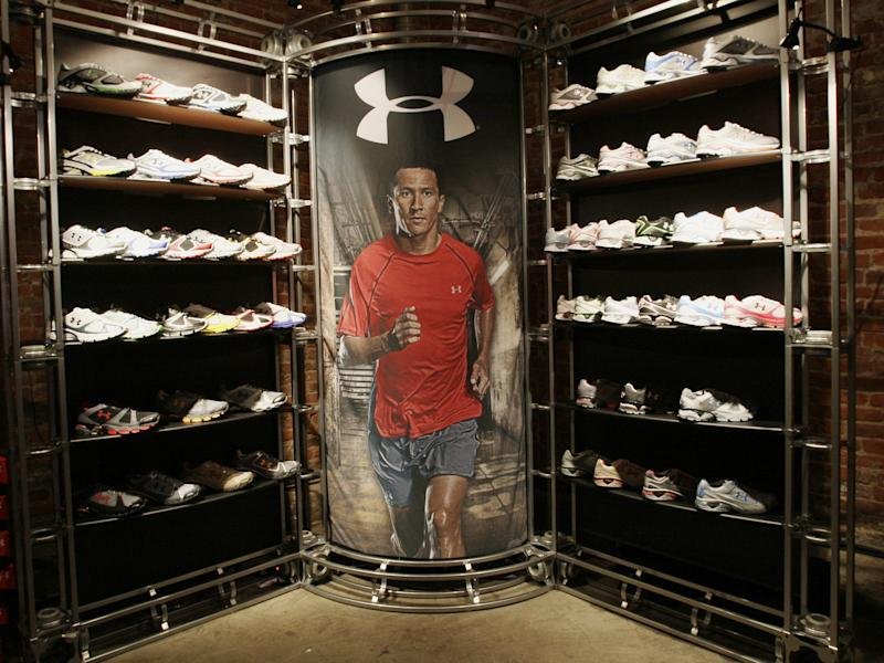 Under-Armour-shoe-display