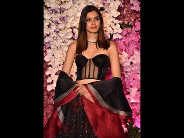 55d65293594 Diana Penty's Victorian Separates Are Perfect For A Grand Cocktail ...