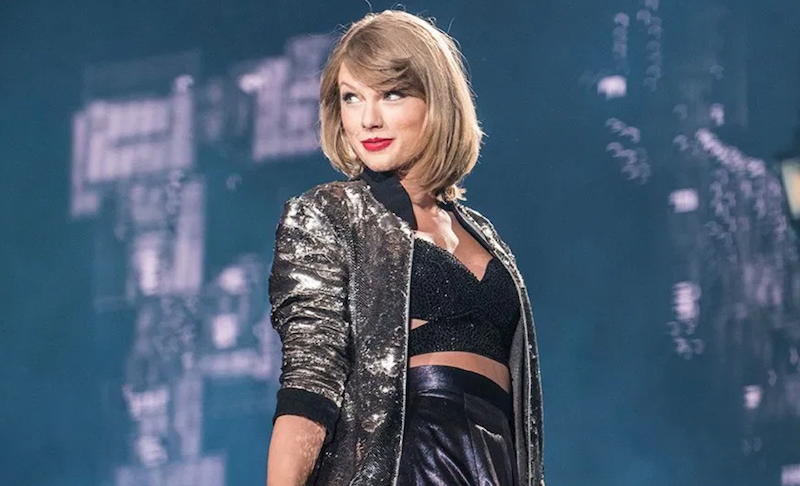 Taylor Swift gets green light to perform old songs at the AMAs