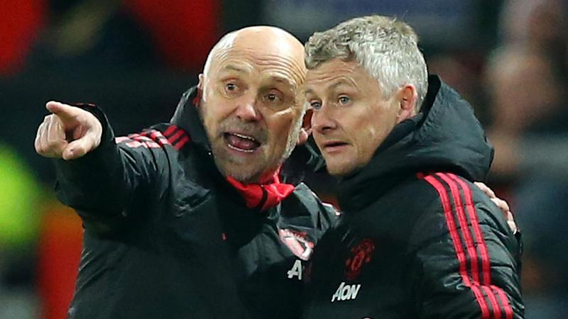 Phelan to stay on as Solskjaer's assistant at Man Utd