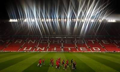 'Red Knight' Shorts Manchester United Shares