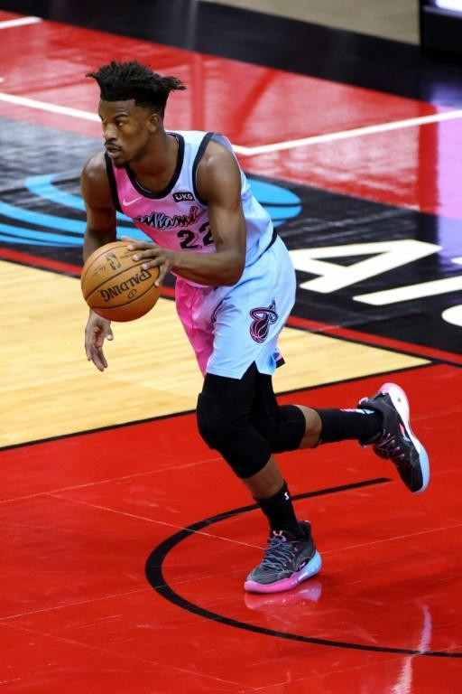 Jimmy Butler du Miami Heat contre les Houston Rockets en NBA le 11 février 2021 au Toyota Center à Houston, Texas