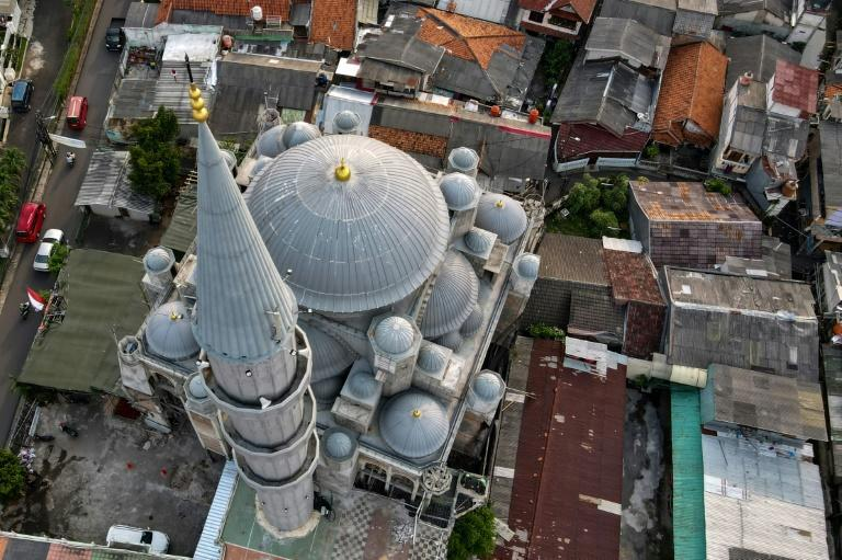 There are around 750,000 mosques across Indonesia -- a medium sized venue could have at least a dozen external loudspeakers that blare the call to prayer five times a day (AFP/BAY ISMOYO)