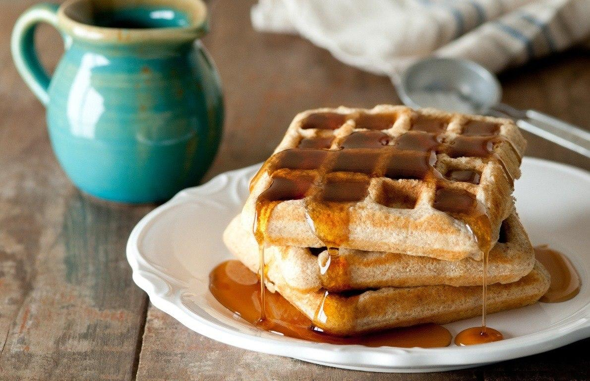 "<p>Brunch is no ordinary meal; it's a bizarre mismatch of cuisines and dining norms that permits diners to get blitzed off tomato juice and vodka while devouring <a href=""https://www.thedailymeal.com/recipes/grilled-coconut-rum-french-toast-recipe""><b>grilled coconut-rum French toast</b></a><b> -</b> all before noon.</p><p>But this strange weekend meal of booze, omelettes, and waffles doesn't have to be an over-indulgent calorie conundrum. Creating brunch at your home can be a delicious and elegant affair as long as you prepare the right foods. Skip the over-the-top waffles, butter-laden hollandaise sauce, slices of Canadian bacon, and deep-fried hash browns, and opt for some lighter fare instead.</p>"