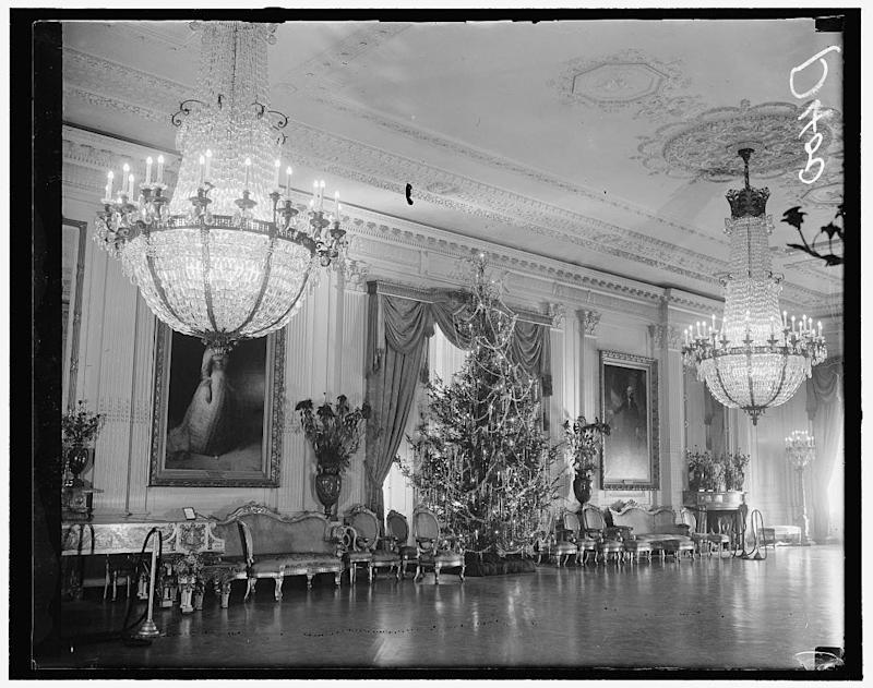 The tree in the East Room during the presidency of Franklin Delano Roosevelt, 1936