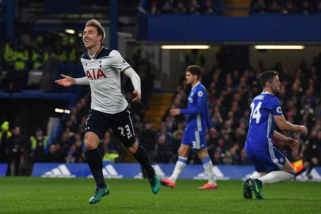 Tottenham Hotspur's Christian Eriksen (L) celebrates after scoring the opening goal against Chelsea at Stamford Bridge (AFP Photo/Ben Stansall)