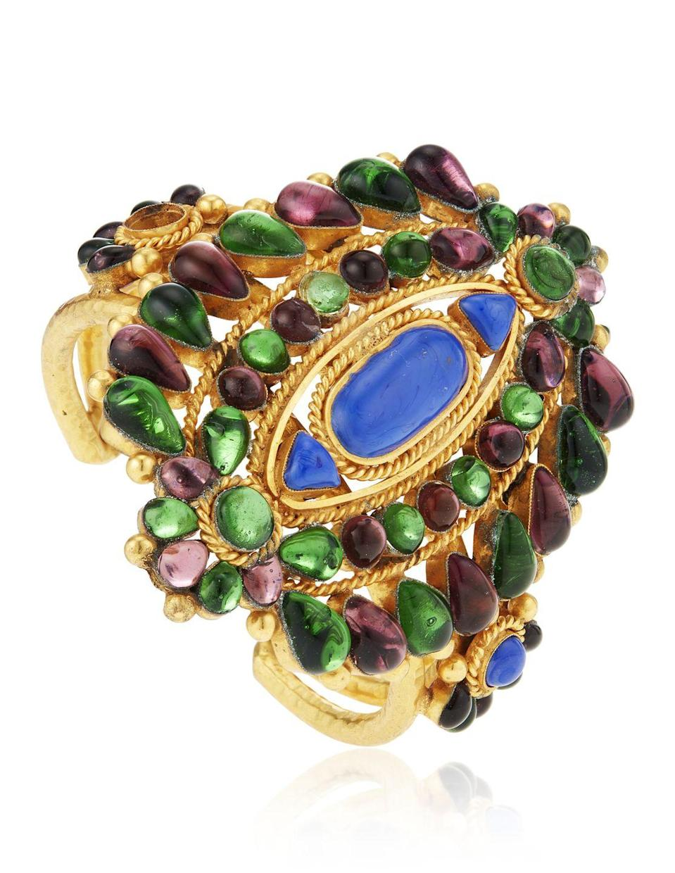 <p>This beautiful piece of arm candy is estimated to be worth $1,500 to $2,000.</p>