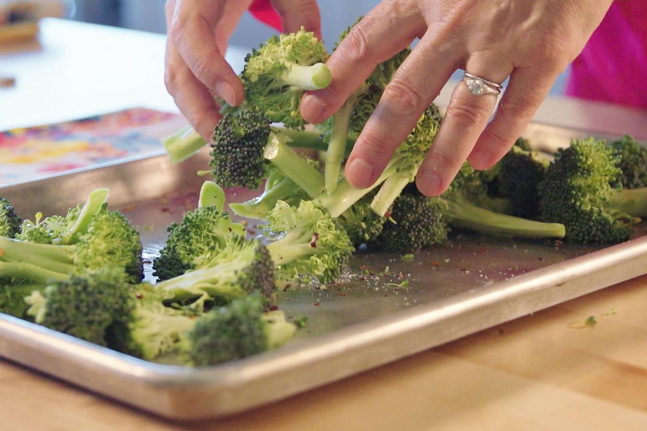 <p>Toss broccoli florets with olive oil, red pepper flakes, salt, and pepper. Roast for 15 minutes at 425°F. This method works best with fresh veggies  -  we recommend steaming frozen broccoli because it is too wet and soggy to roast.<br></p>