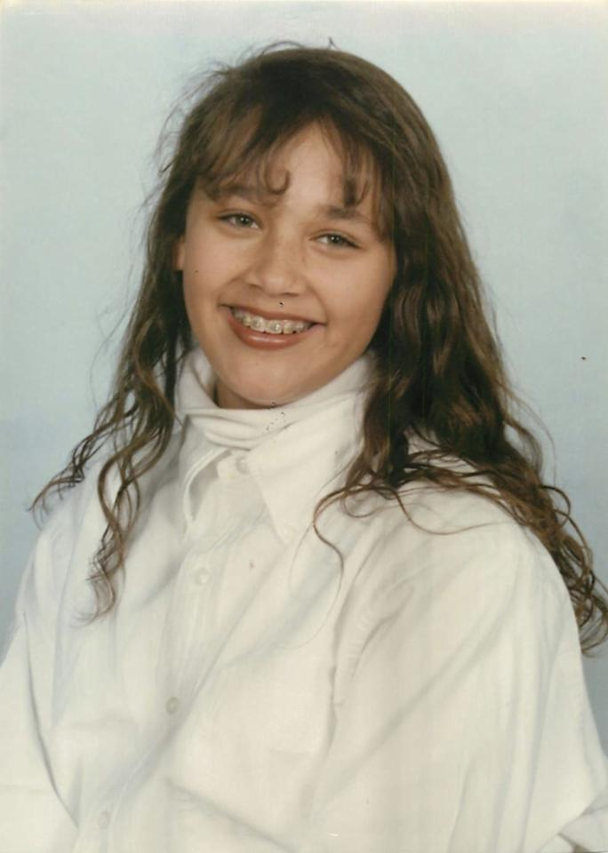 """<a target=""_blank"" href=""https://twitter.com/iamrashidajones/status/231110369358249984/photo/1"">School photo #3</a>: 1990. AWKWARRRRRRRD. Why the turtleneck?! So much wrong here."""