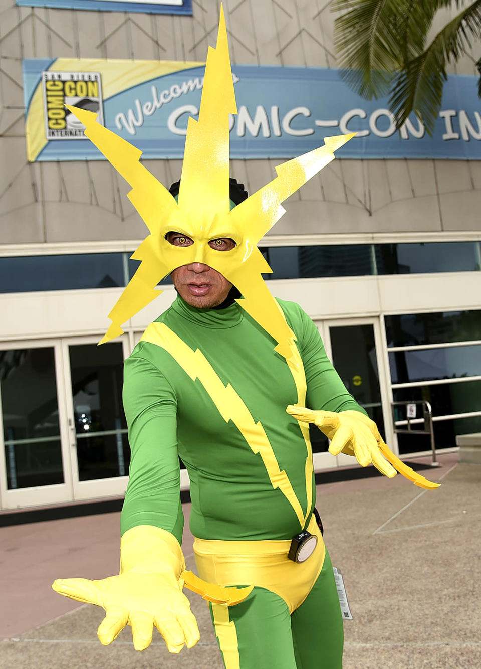<p>Jeff Rose, from Los Angeles, dressed as Electro at Comic-Con International on July 20 in San Diego. (Photo: Richard Shotwell/Invision/AP) </p>
