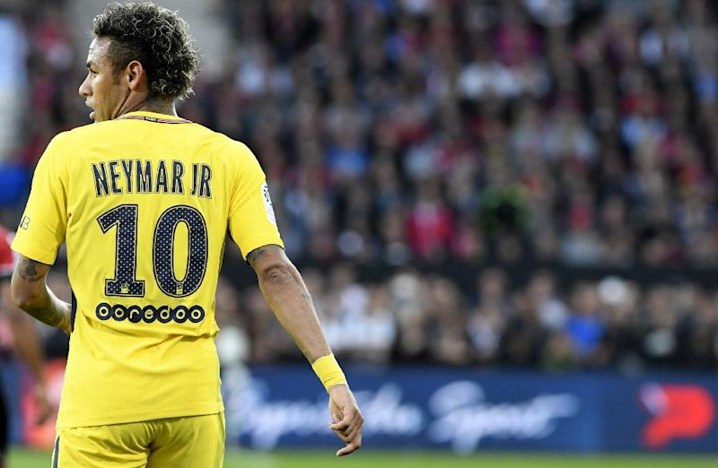Neymar scores first goal and provides assist on PSG debut