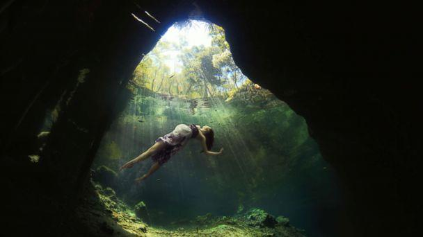 PHOTO: Cricket's final product of her sister-in-law Suzanne Pickens underwater photo shoot. (Cricket's Photography)
