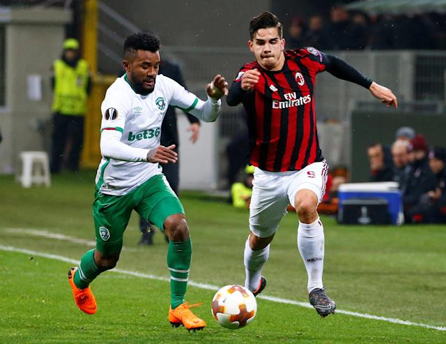 Soccer Football - Europa League Round of 32 Second Leg - AC Milan vs PFC Ludogorets Razgrad - San Siro, Milan, Italy - February 22, 2018 Ludogorets' Cicinho in action with AC Milan's Andre Silva REUTERS/Tony Gentile