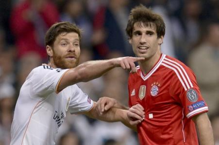 Real Madrid x Bayern de Munique - Xabi Alonso e Javi Martinez (Foto: Dani Pozo/AFP)