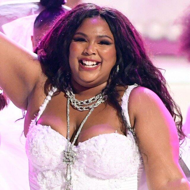 Lizzo hair BET Awards performance 2019