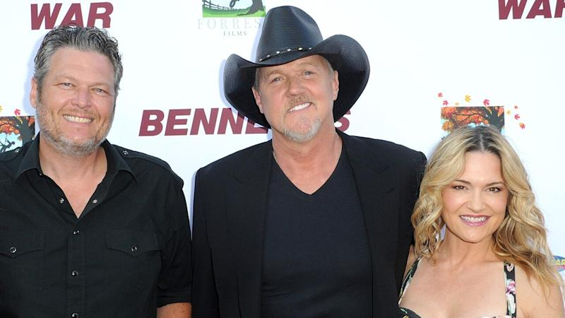 Trace Adkins Marries Victoria Pratt and Blake Shelton Officiates