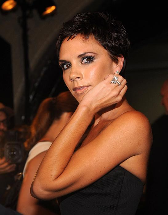 victoria beckham engagement ring z