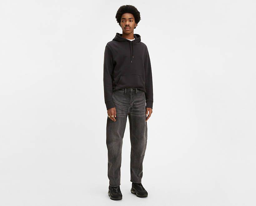 """<p><strong>Levi's</strong></p><p>levi.com</p><p><strong>$41.49</strong></p><p><a href=""""https://go.redirectingat.com?id=74968X1596630&url=https%3A%2F%2Fwww.levi.com%2FUS%2Fen_US%2Fapparel%2Fclothing%2Fbottoms%2Flevis-engineered-jeans-570-baggy-taper-jeans%2Fp%2F727770010&sref=https%3A%2F%2Fwww.esquire.com%2Fstyle%2Fmens-fashion%2Fg32945302%2Flevis-summer-sale%2F"""" rel=""""nofollow noopener"""" target=""""_blank"""" data-ylk=""""slk:Buy"""" class=""""link rapid-noclick-resp"""">Buy</a></p><p>Specially designed, '90s-inspired denim that couldn't look more current. </p>"""