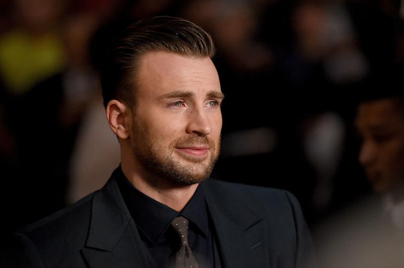 How Chris Evans Is Handling the Post-Breakup Press Tour