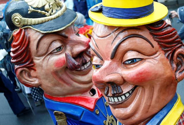 """<p>Carnival revellers at the traditional """"Rosenmontag"""" Rose Monday carnival parade in in Mainz, Germany, Feb. 12, 2018. (Photo: Ralph Orlowski/Reuters) </p>"""