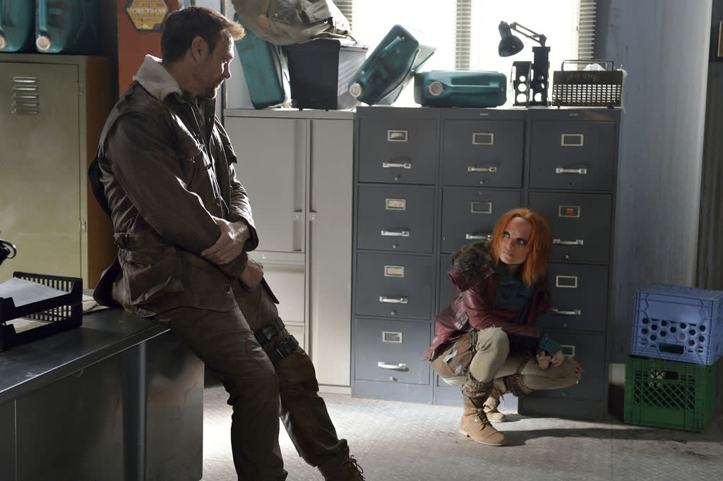 "Grant Bowler as Chief Lawkeeper Joshua Nolan and Stephanie Leonidas as Irisa in the ""Defiance"" epsiode, ""Past is Prologue."""