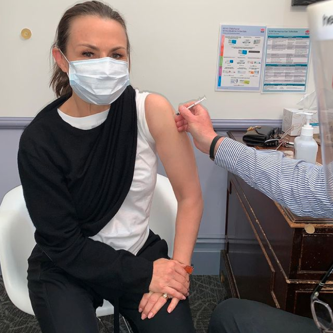Lisa Wilkinson receiving her COVID-19 vaccination