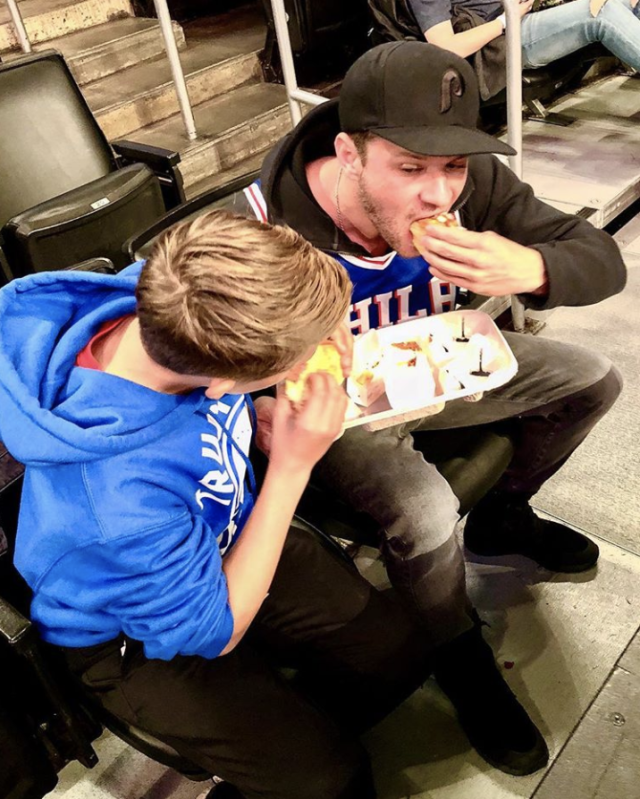 "<p>""Sharing a box/plate (and dad forgot napkins),"" the doting father captioned this shot with son Deacon, 14, as they wolfed down some grub at the Staples Center on Wednesday. The guys caught the Lakers and Philadelphia 76ers game, and it was a win-win for these Philly fans. ""Sixers won and both suffered only slight indigestion,"" he joked. (Photo: <a href=""https://www.instagram.com/p/BbjGy1qnZkW/?taken-by=ryanphillippe"" rel=""nofollow noopener"" target=""_blank"" data-ylk=""slk:Ryan Phillippe via Instagram"" class=""link rapid-noclick-resp"">Ryan Phillippe via Instagram</a>) </p>"