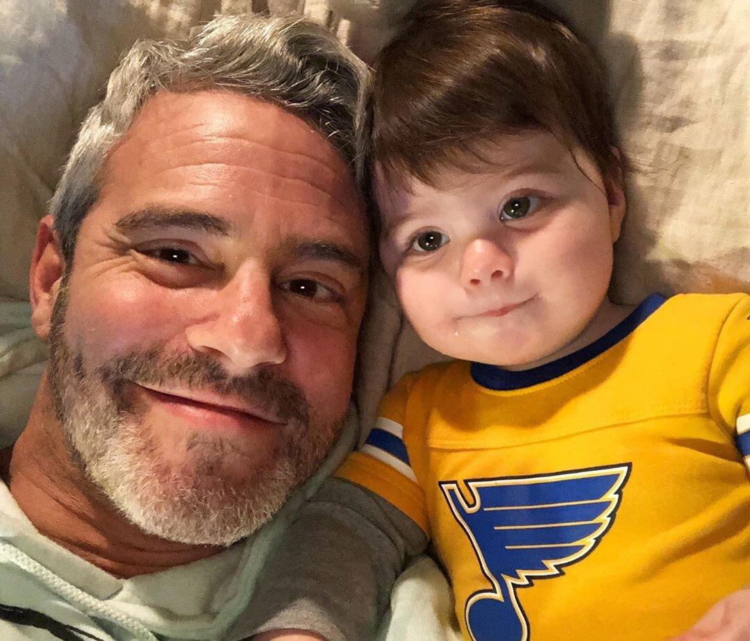 """The Bravo boss snapped the <a href=""""https://www.instagram.com/p/B35MTpQhiXr/"""">ultimate sleepy selfie</a> with his 8-month-old son, Benjamin Allen. Looks like Ben is a St. Louis Blues fan just like his dad!"""