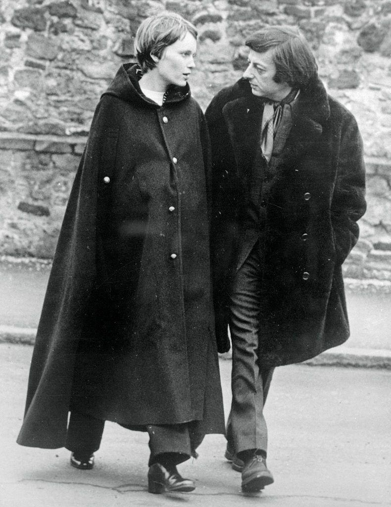 <p>Farrow is photographed with composer André Previn in England. The actress started seeing Previn while he was still married, however he divorced his wife to marry the actress in 1970. </p>