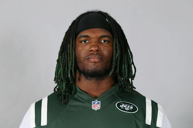 "<a class=""link rapid-noclick-resp"" href=""/nfl/teams/nyj/"" data-ylk=""slk:New York Jets"">New York Jets</a> pass rusher <a class=""link rapid-noclick-resp"" href=""/nfl/players/28470/"" data-ylk=""slk:Lorenzo Mauldin"">Lorenzo Mauldin</a> was involved in a nightclub incident that left a man battered and bruised, a lawsuit alleges. (AP)"