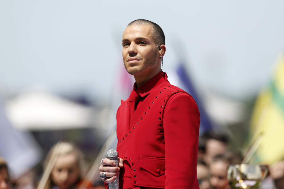 Anthony Callea sings the national anthem before race 7 the Lexus Melbourne Cup during 2019 Melbourne Cup Day at Flemington Racecourse on November 05, 2019 in Melbourne, Australia.