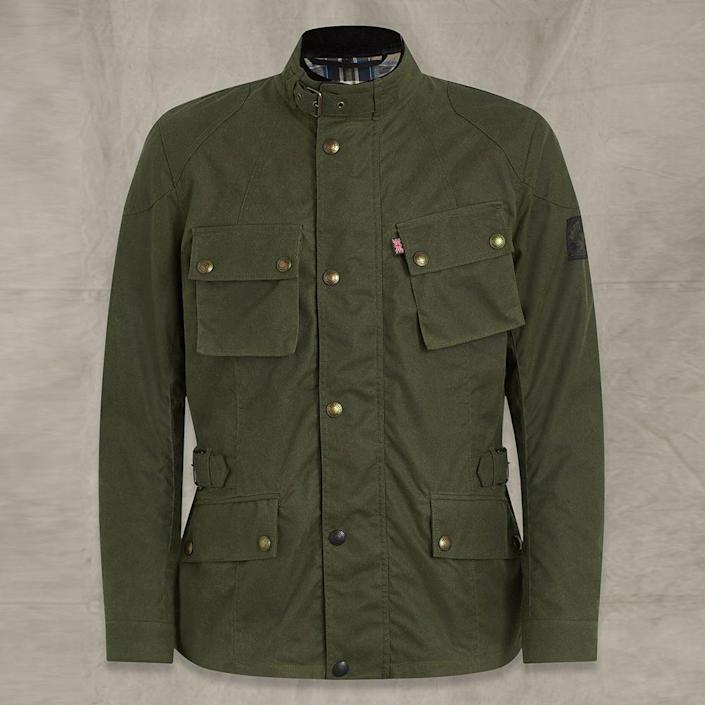 """<p><strong>belstaff</strong></p><p>belstaff.com</p><p><strong>$725.00</strong></p><p><a href=""""https://go.redirectingat.com?id=74968X1596630&url=https%3A%2F%2Fwww.belstaff.com%2Fen_US%2Fmen%2Fmotorcycle%2Fwaxed-jackets%2Fcrosby-waxed-cotton-jacket-forest-green%2FB000145687.html%23start%3D1&sref=https%3A%2F%2Fwww.menshealth.com%2Ftechnology-gear%2Fg19521968%2Fcool-gifts-for-dad%2F"""" rel=""""nofollow noopener"""" target=""""_blank"""" data-ylk=""""slk:BUY IT HERE"""" class=""""link rapid-noclick-resp"""">BUY IT HERE</a></p><p>Belstaff's waxed field jacket is timeless treasure that dad will keep forever. For the man who believes in ruggedly handsome style, look no further. </p>"""