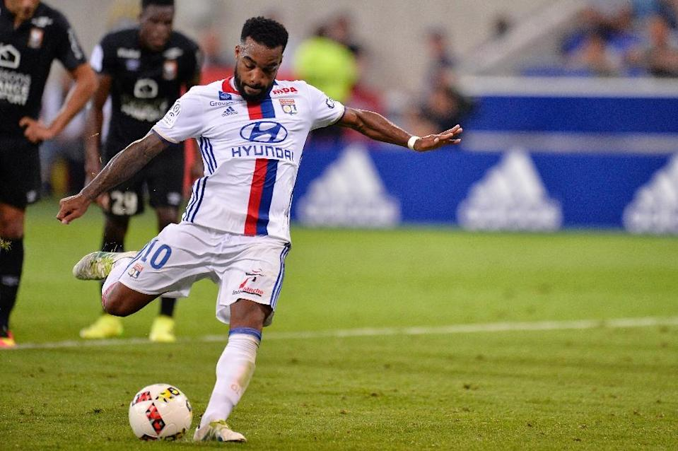 Lyon's French forward Alexandre Lacazette kicks a penalty during the French Ligue 1 football match Olympique Lyonnais (OL) against Caen (SMC) on August 19, 2016 (AFP Photo/Romain Lafabregue)