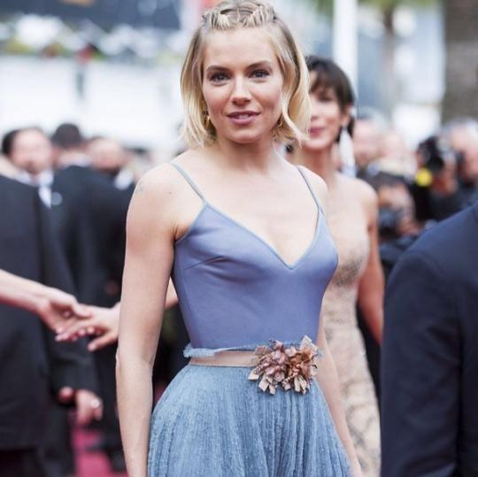 <p>Sienna Miller showed short-haired girls everywhere how to dress up a bob for the red carpet. <i>(Photo: Instagram)</i></p>