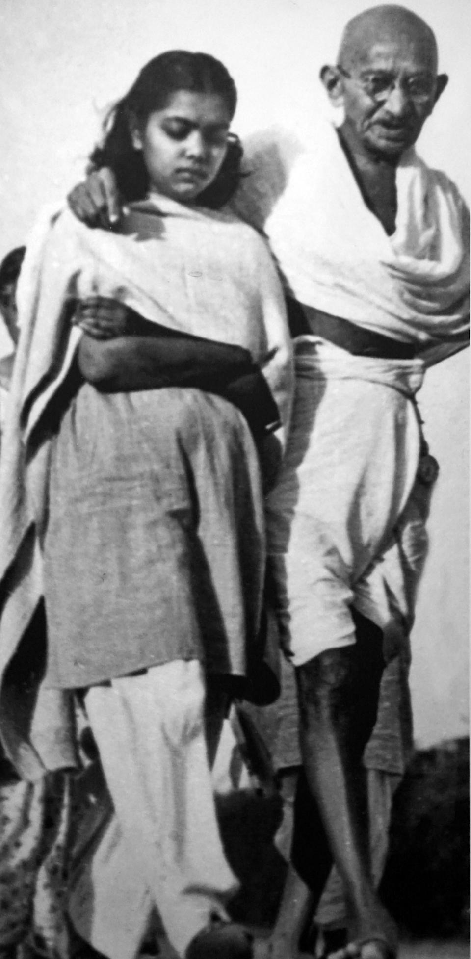 Hunger strike by Gandhi. (Photo by: Universal History Archive/ Universal Images Group via Getty Images)