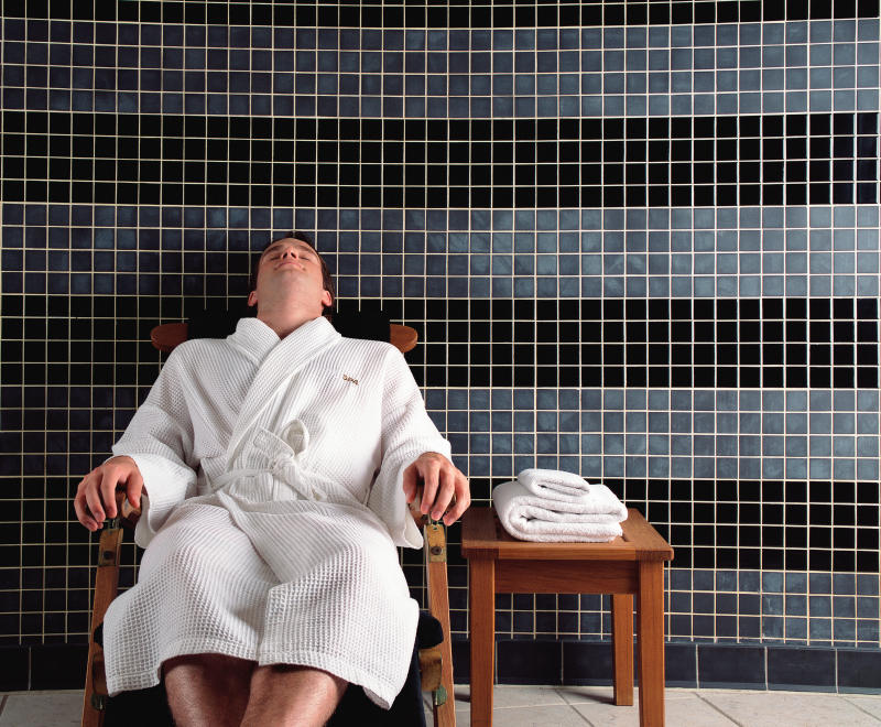 Treat a loved one to a spa day. [Photo: Getty]