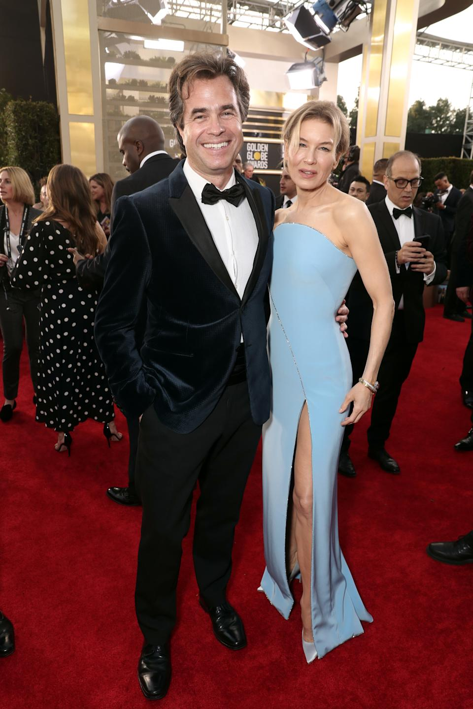 "<h1 class=""title"">Rupert Goold and Renée Zellweger in Armani and Jimmy Choo shoes</h1><cite class=""credit"">Photo: Getty Images</cite>"