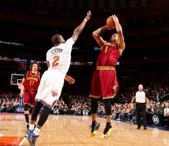 NEW YORK, NY - MARCH 23: Jarrett Jack #1 of the Cleveland Cavaliers shoots against the New York Knicks during a game at Madison Square Garden in New York City. (Photo by Nathaniel S. Butler/NBAE via Getty Images)