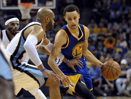 Warriors return to elite form in Game 4 blowout, tie Grizzlies at 2-2