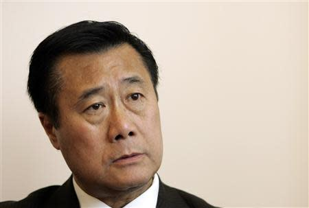 California State Senator Leland Yee (D-San Francisco) talks in his office about the state's budget impasse in San Francisco, California in this July 3, 2009, file photo. REUTERS/Robert Galbraith