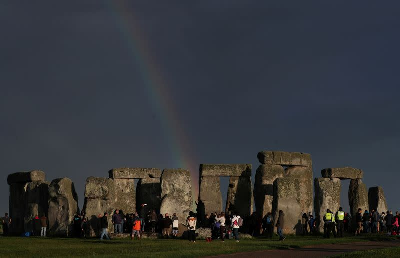 UK vows to build tunnel under ancient Stonehenge site