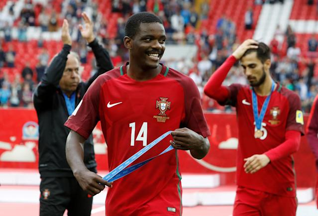 Soccer Football - Portugal v Mexico - FIFA Confederations Cup Russia 2017 - Third Placed Play Off - Spartak Stadium, Moscow, Russia - July 2, 2017 Portugal's William Carvalho celebrates with his medal after the game REUTERS/Sergei Karpukhin