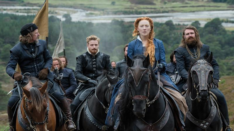 <p>The duo play rival queens fighting for England's throne.</p>