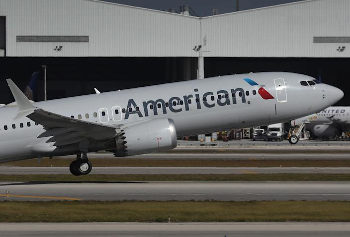 A spokesperson for American Airlines confirmed to USA TODAY that the passenger depicted in a viral video was asked to leave his flightfor violating the airline'smask requirement.