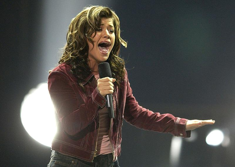 "Kelly Clarkson performs on the first season finale of ""American Idol"" on Sept. 4, 2002. (Photo: SGranitz/WireImage)"
