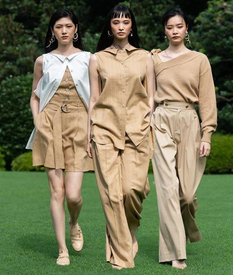"<p>Fashion has long embraced the middle part, and this showcase was no different—the surprisingly edgy look can be spotted everywhere from <a href=""https://www.instagram.com/burberry/"" rel=""nofollow noopener"" target=""_blank"" data-ylk=""slk:Burberry"" class=""link rapid-noclick-resp"">Burberry</a> to <a href=""https://www.instagram.com/ullajohnson/"" rel=""nofollow noopener"" target=""_blank"" data-ylk=""slk:Ulla Johnson"" class=""link rapid-noclick-resp"">Ulla Johnson</a>. ""I think for spring these cuts are going to evolve with different parting,"" says Hoang. ""Right now, the strict center part is trending, but I predict a deep side part will be very popular in the springtime.""</p><p><a href=""https://www.instagram.com/p/CFIQZrBlFG4/"" rel=""nofollow noopener"" target=""_blank"" data-ylk=""slk:See the original post on Instagram"" class=""link rapid-noclick-resp"">See the original post on Instagram</a></p>"