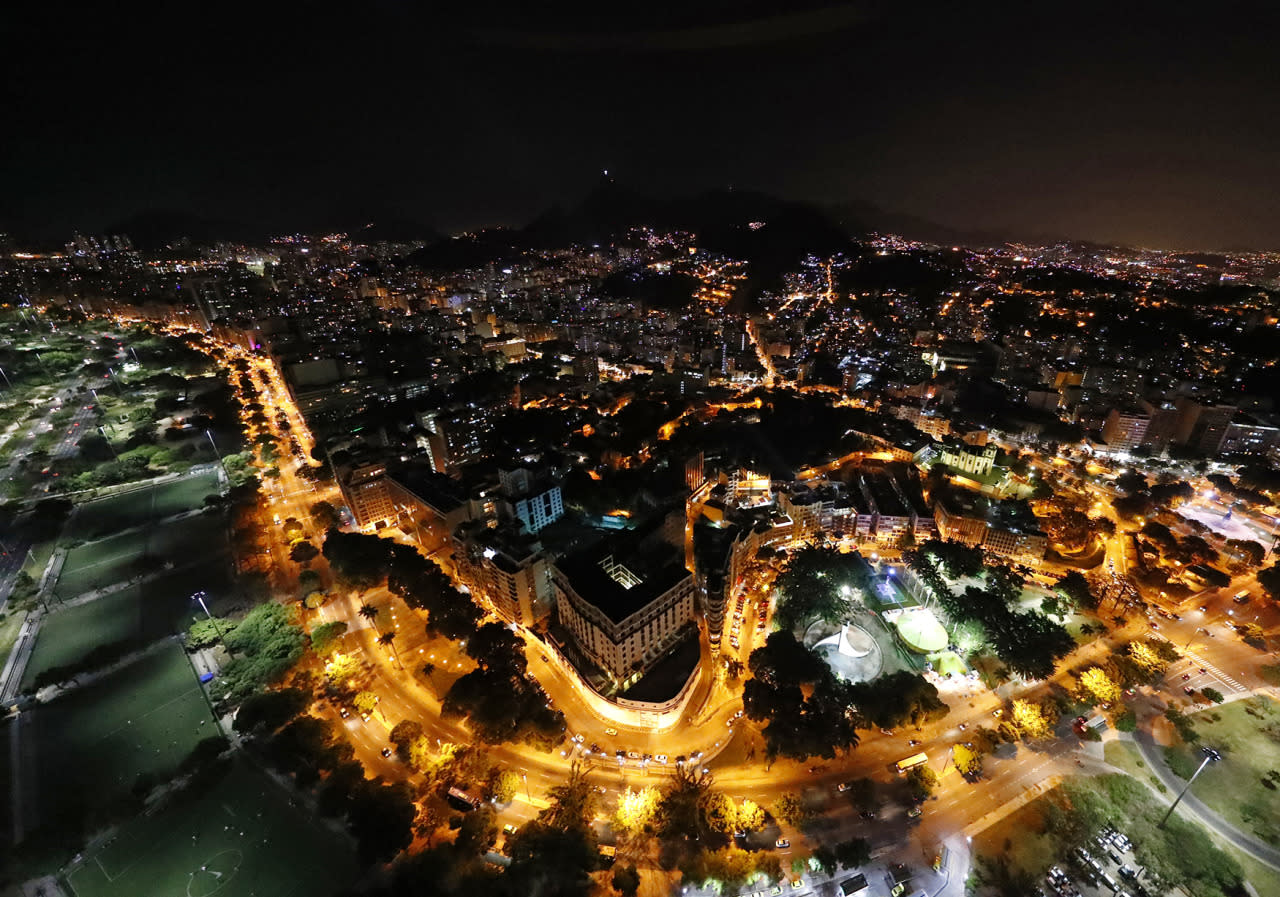 <p>An aerial view of the center of Rio de Janeiro, Brazil, less than two weeks before the start of the Rio 2016 Olympic Games, July 23, 2016. (REUTERS/Pawel Kopczynski)</p>